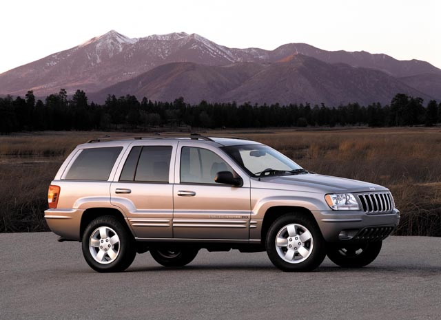 safety group pushing for recall of 2 2 million jeep grand cherokees over fire concerns. Black Bedroom Furniture Sets. Home Design Ideas