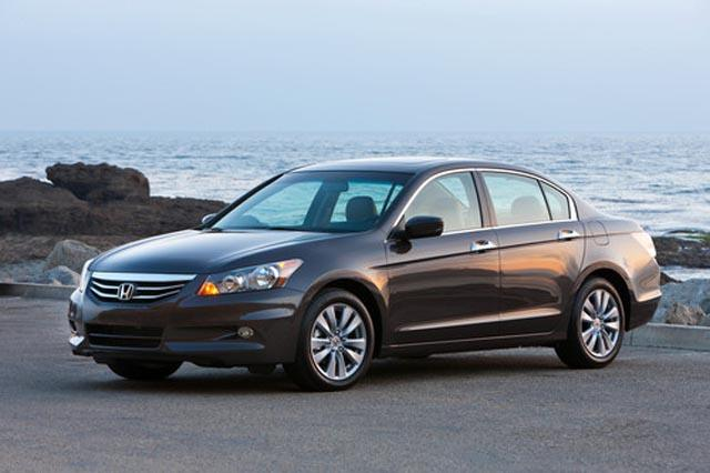 2012 Honda Accord Ex L >> 2012 Honda Accord Tries To Outshine The Recently Released Toyota Camry » AutoGuide.com News
