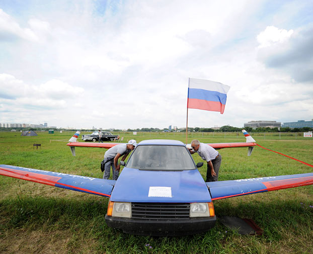 72 Year Old Russian Pilot Builds Flying Car Video