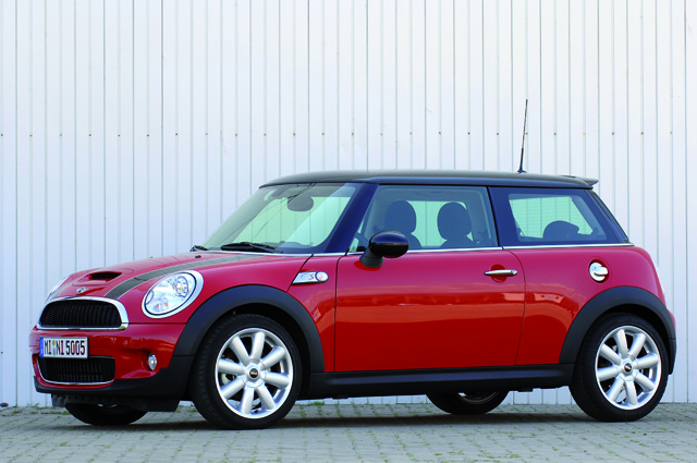 According To The National Highway Traffic Safety Administration 12 Complaints Were Received In Regards Mini Cooper S Engine Fires 5 Of Them Resulted