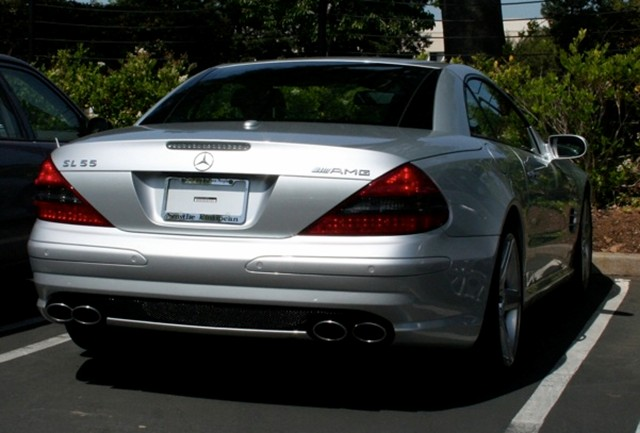 Steve jobs and the mystery of his plateless mercedes sl55 for Mercedes benz jobs