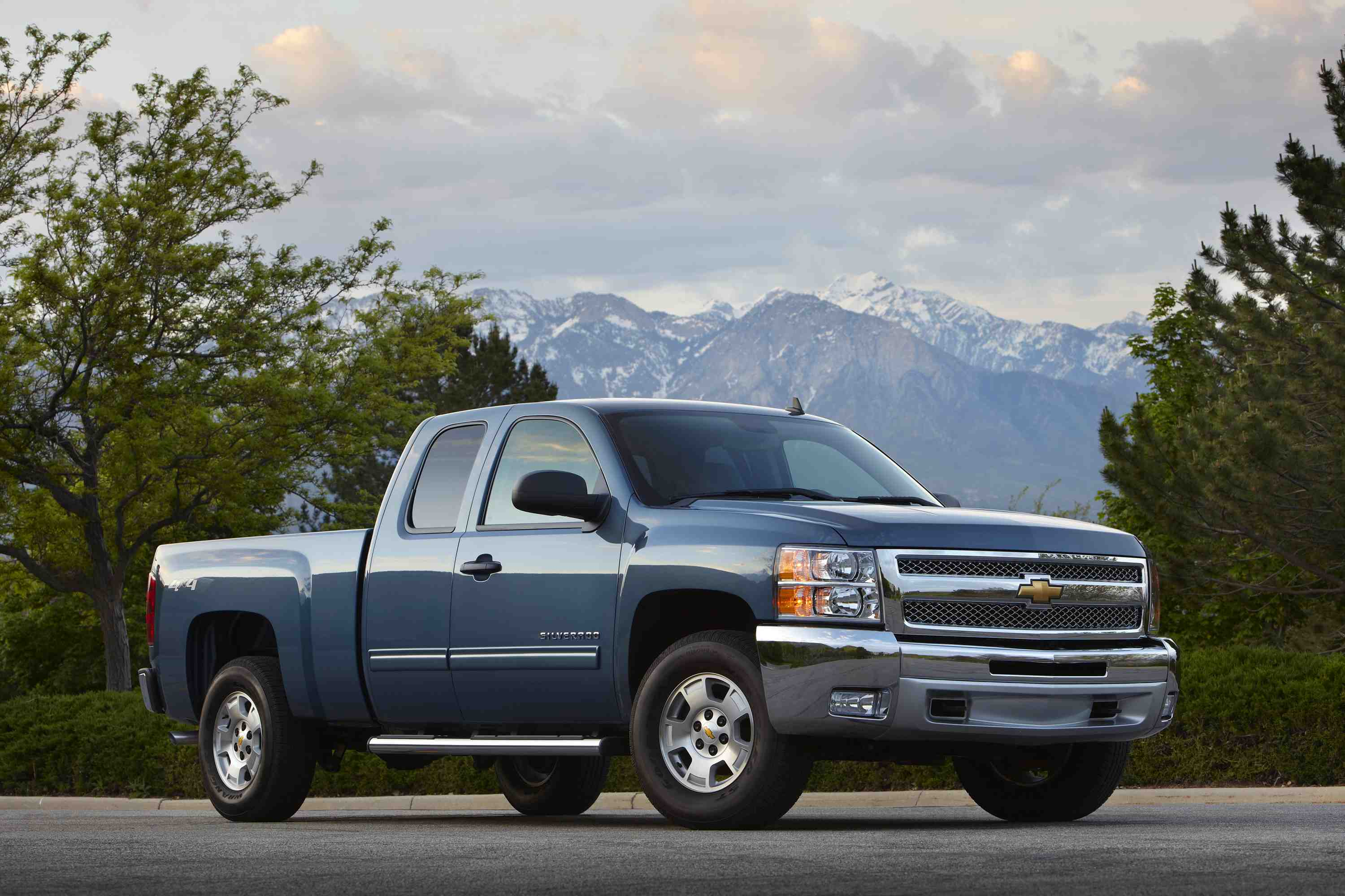 2012 chevrolet silverado lt extended cab pickup news. Black Bedroom Furniture Sets. Home Design Ideas