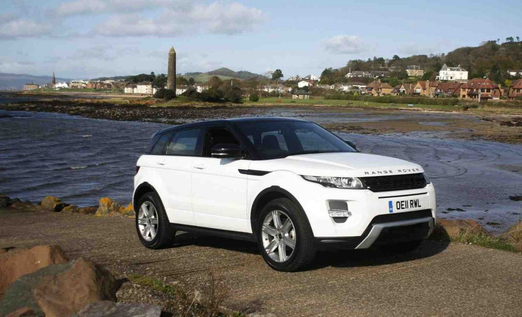 range rover evoque wins top gear car of the year award. Black Bedroom Furniture Sets. Home Design Ideas