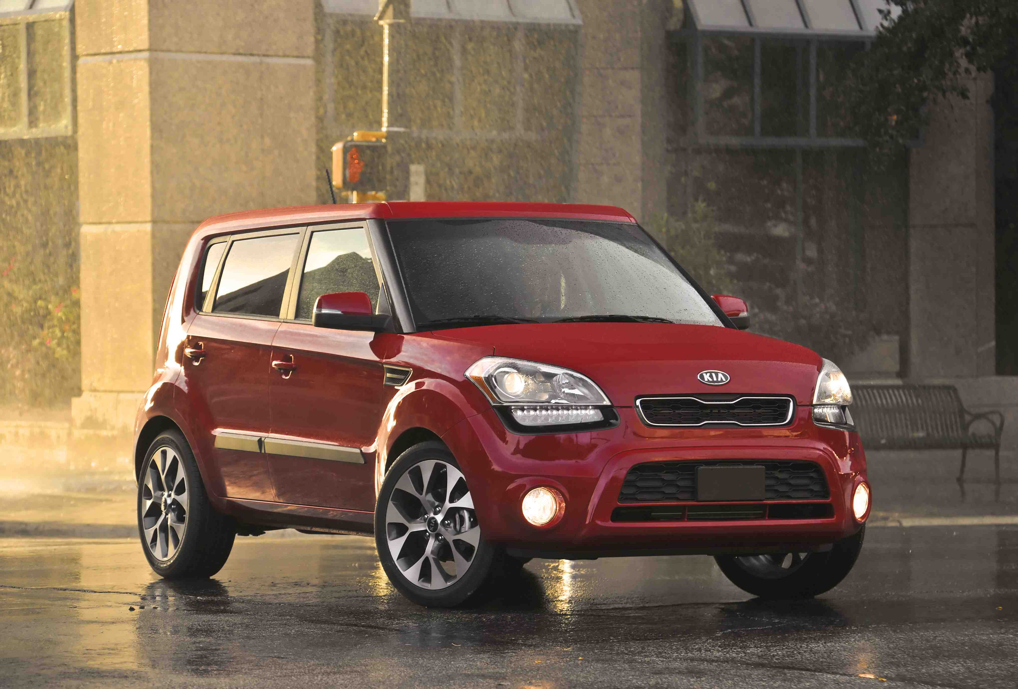 2012 kia soul review car reviews autoguidecom autos post. Black Bedroom Furniture Sets. Home Design Ideas