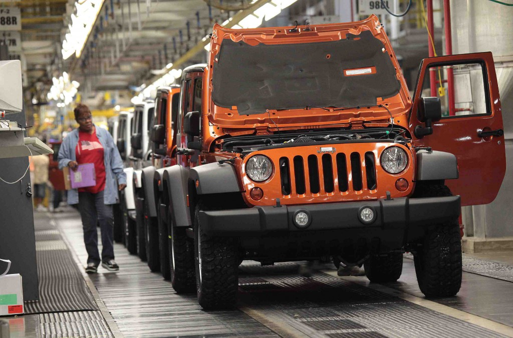 jeep wrangler production ramping up to meet increased demand news. Black Bedroom Furniture Sets. Home Design Ideas