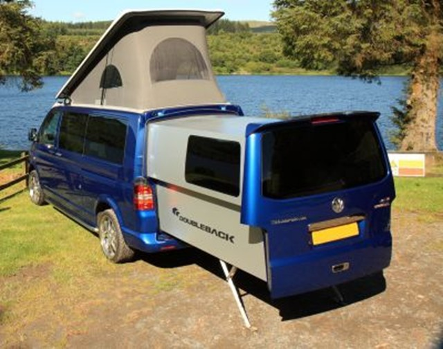vw transporter turns into a camper with extendable rear pod video news. Black Bedroom Furniture Sets. Home Design Ideas