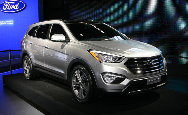 The new 2013 Hyundai Santa Fe debuted to the public at the 2012 New