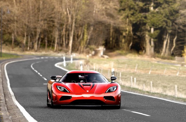 How To Pronounce Koenigsegg >> Koenigsegg Agera R Pummels Nurburgring Straight At Mind-bending 249.5 MPH - Video » AutoGuide ...