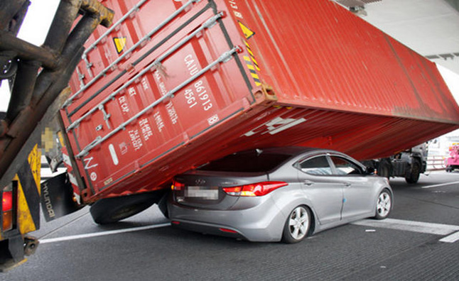 Hyundai Elantra Crushed By Shipping Container 187 Autoguide