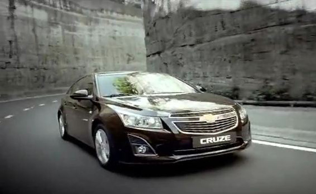 The Chevrolet Cruze is getting a facelift for the 2013 model year ...