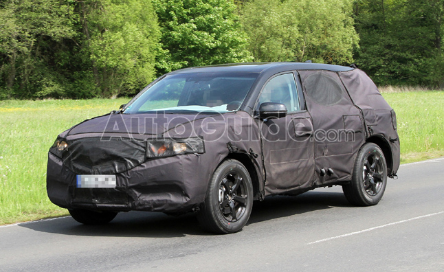 2014 acura mdx caught testing in spy photos mercedes. Black Bedroom Furniture Sets. Home Design Ideas