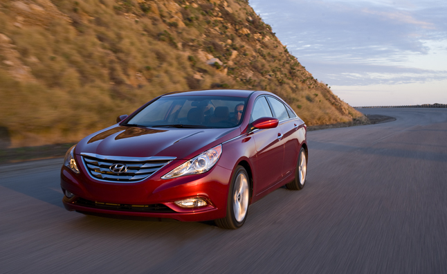 2013 hyundai sonata gets additional standard features news. Black Bedroom Furniture Sets. Home Design Ideas