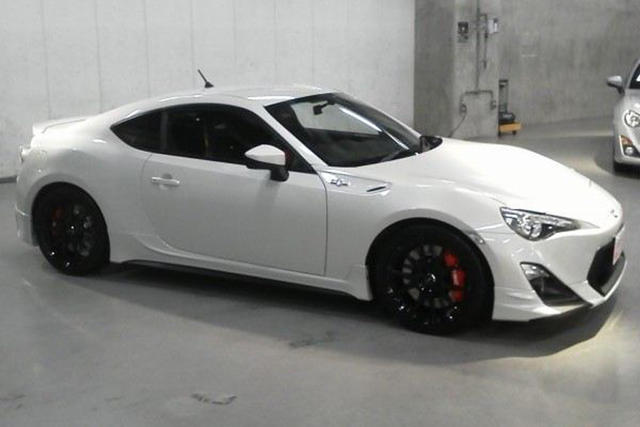 trd tuned toyota gt 86 to debut at goodwood news. Black Bedroom Furniture Sets. Home Design Ideas