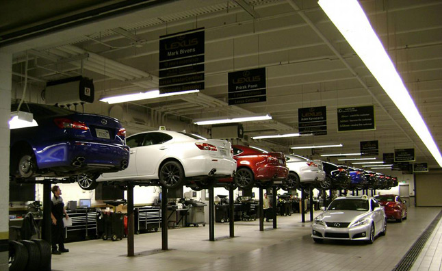 Customers prefer to schedule service appointment by phone for Mercedes benz service department