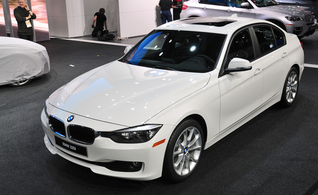 Bmw 320i Sedan Is A Budget Bimmer At 33 445 187 Autoguide