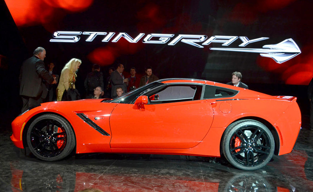 2014 corvette stingray video first look 2013 detroit auto show news. Black Bedroom Furniture Sets. Home Design Ideas