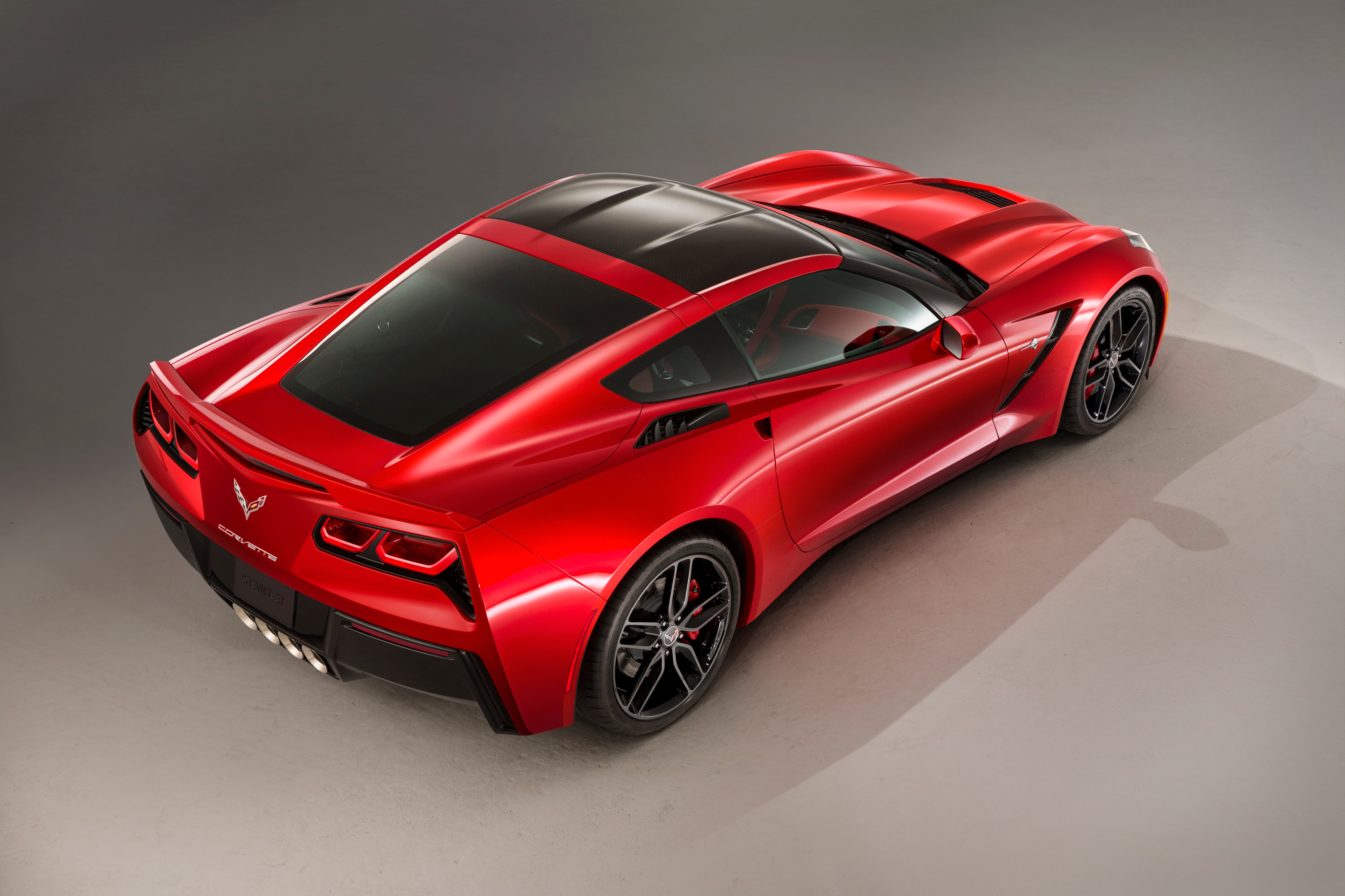 2014-corvette-stingray-02