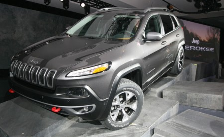 2014 jeep cherokee forums 2014 jeep cherokee video first look. Cars Review. Best American Auto & Cars Review