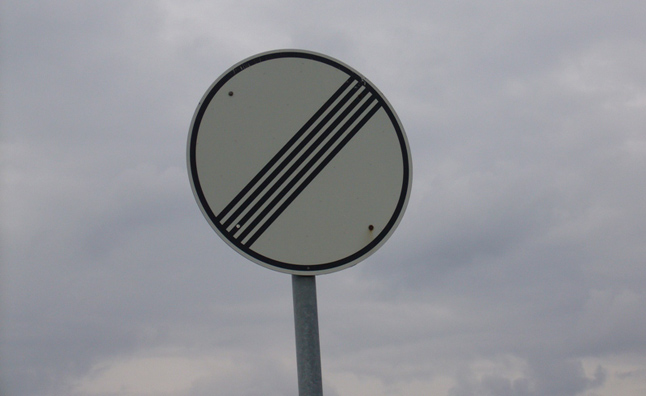 german opposition party seeks 120 km h autobahn speed limit signs like    Autobahn Sign