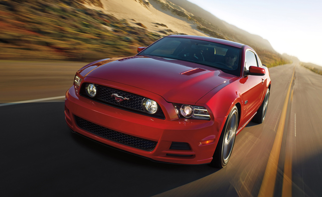 2014-Ford-Mustang-GT-2