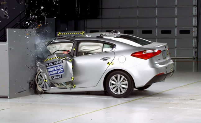 Honda Civic Tops Iihs Crash Test Ratings While Kia  Nissan