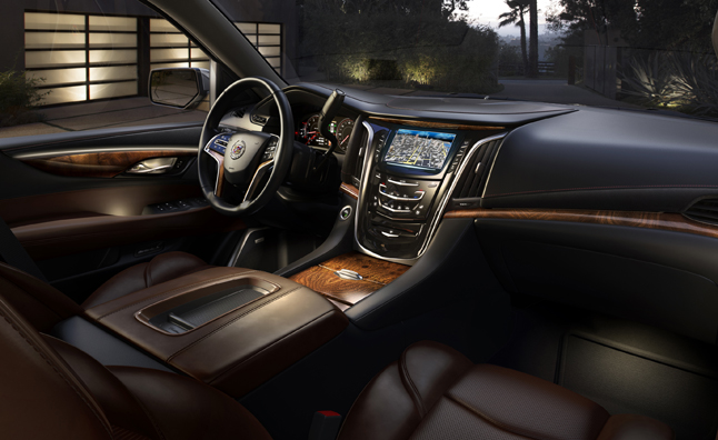 News 2015 escalade unveiled in new york updated for Escalade interieur montreal