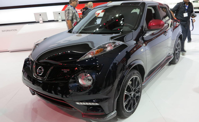 2014 nissan juke nismo rs video first look autoguide. Black Bedroom Furniture Sets. Home Design Ideas