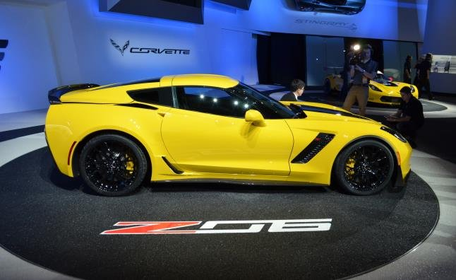 taken the cover off of the 2015 Corvette Z06 and it looks amazing