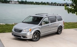 chrysler-town-and-country
