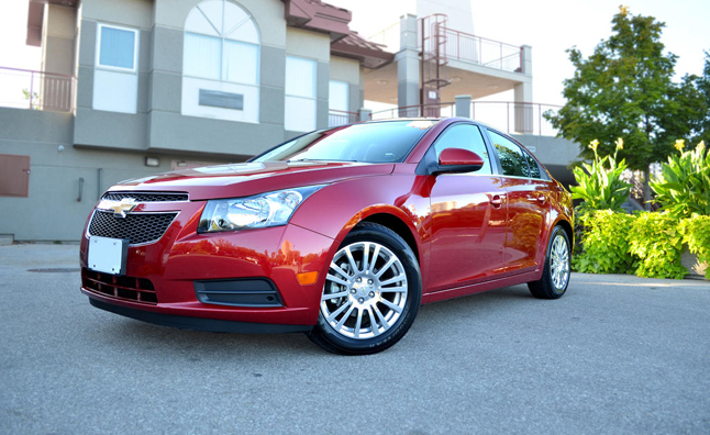 chevy halts cruze sales doesn 39 t say why news. Black Bedroom Furniture Sets. Home Design Ideas