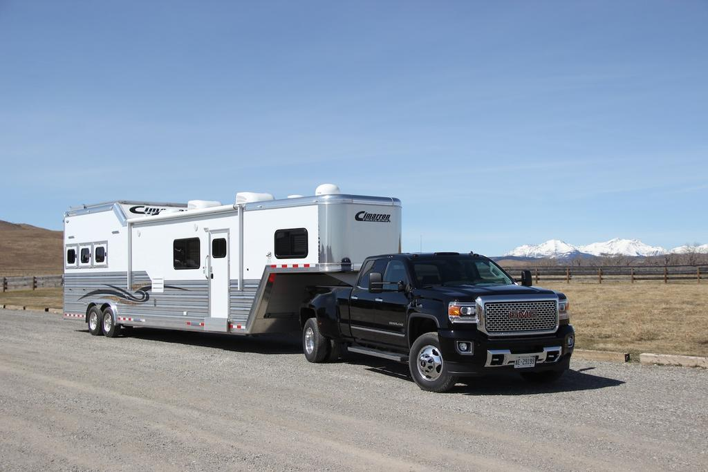 Gmc 2500Hd Wheels >> What to Know Before You Tow a Fifth-Wheel Trailer » AutoGuide.com News