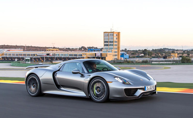 Quickest Cars In The World >> Porsche 918 Spyder has Bugatti-Beating Acceleration » AutoGuide.com News