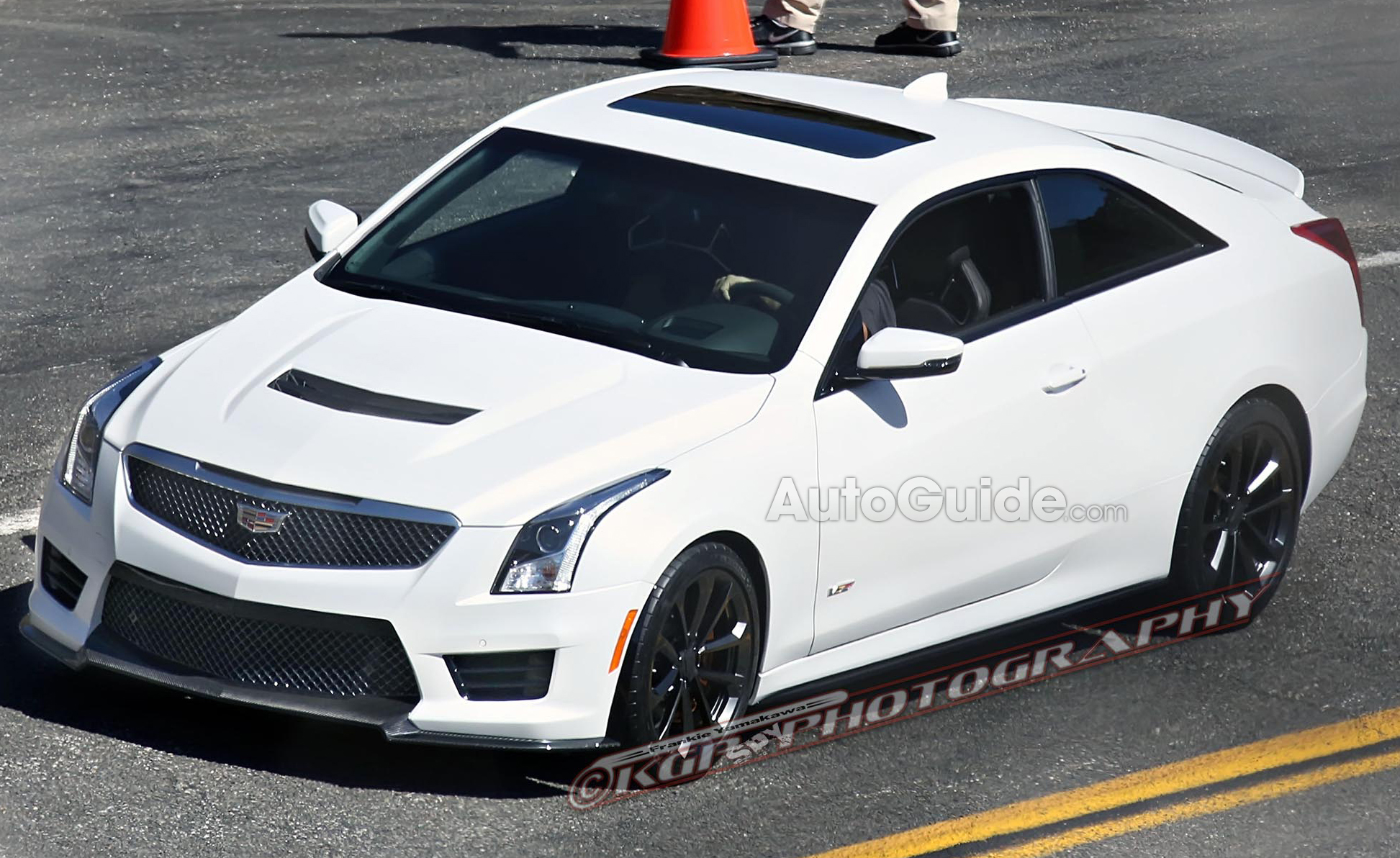 2015 cadillac ats v coupe spied completely uncovered news. Black Bedroom Furniture Sets. Home Design Ideas