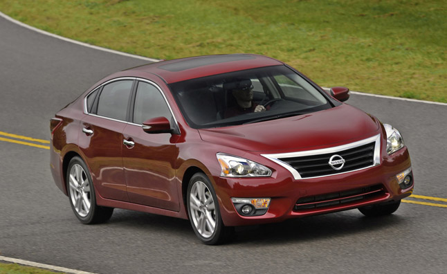 nissan recalls 238k altimas over hood latch issue. Black Bedroom Furniture Sets. Home Design Ideas
