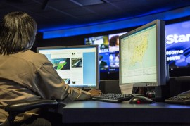 OnStar-CommandCenter-09
