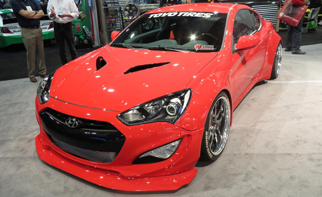 blood type racing hyundai genesis coupe video first look news. Black Bedroom Furniture Sets. Home Design Ideas