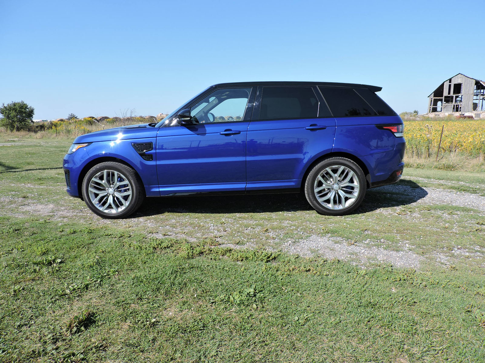 Bmw X5m Vs Range Rover Supercharged Auto Cars