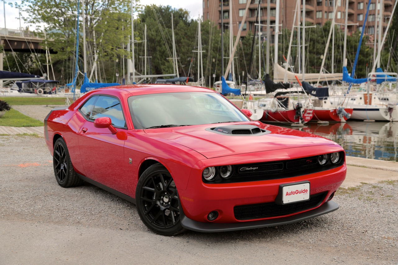 2015 dodge challenger 392 hemi scat pack shaker review news. Black Bedroom Furniture Sets. Home Design Ideas
