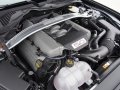 2015-Ford-Mustang-GT-Engine-02