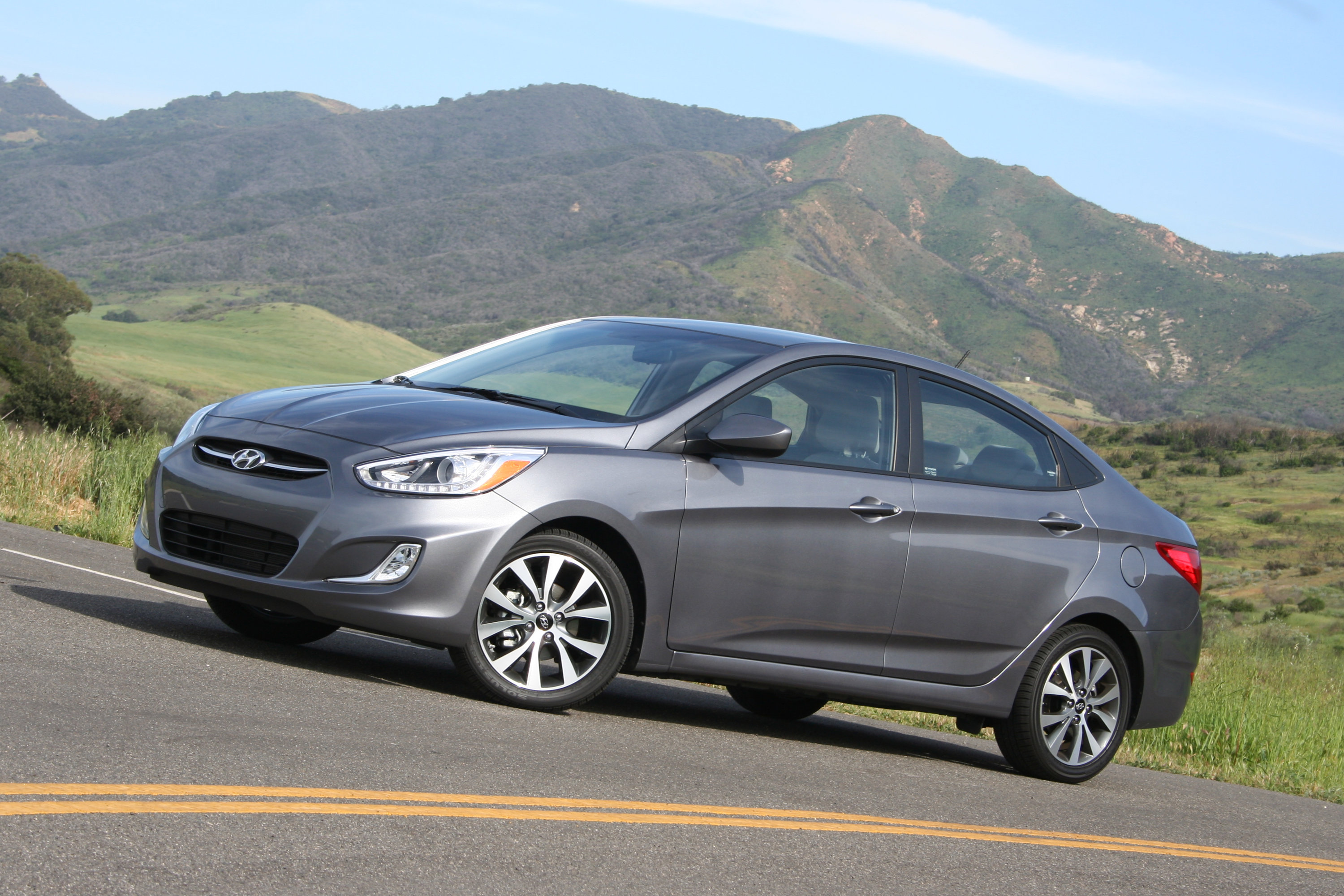 2015 Hyundai Accent Review Autoguide Com