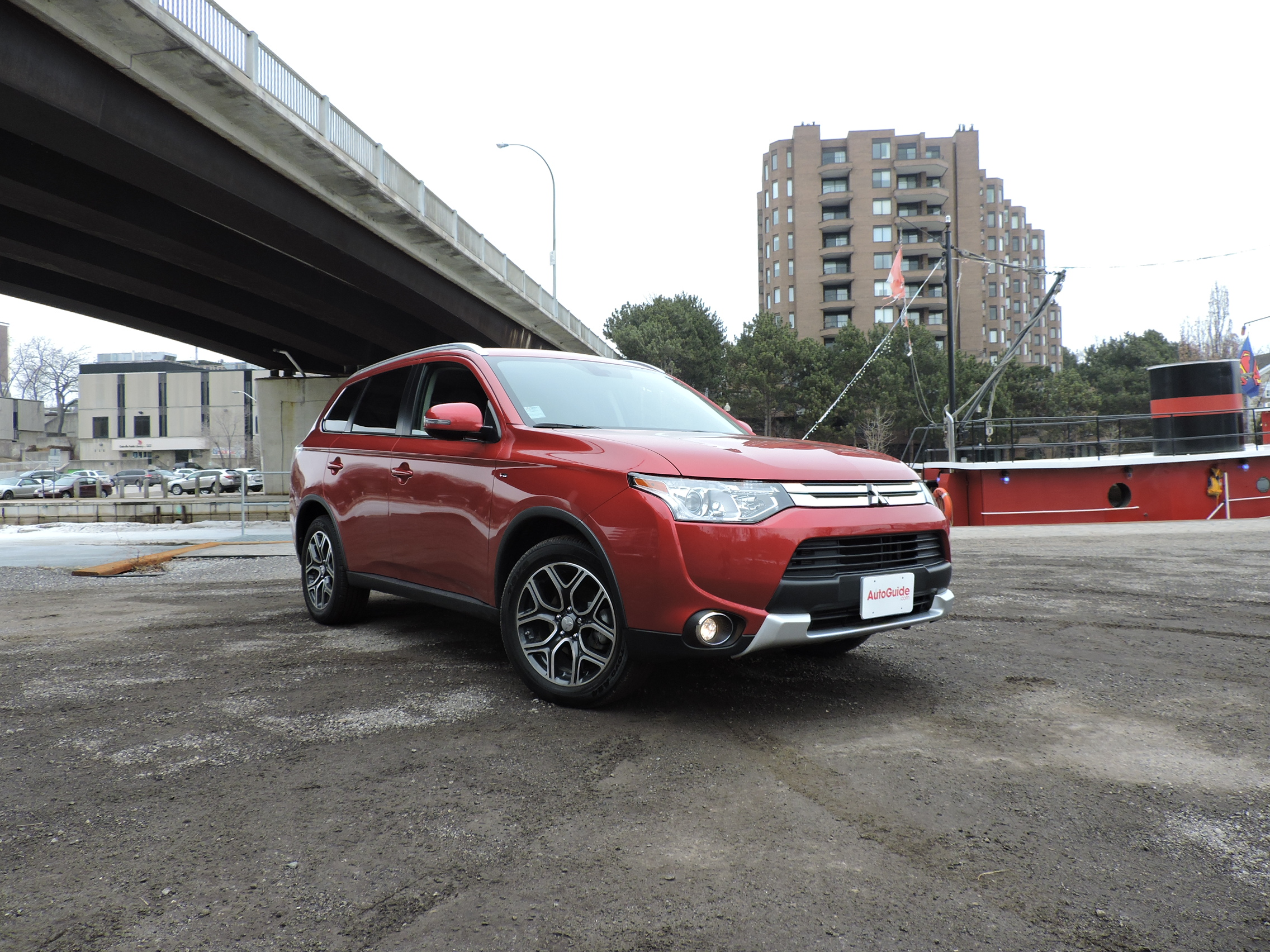 mitsubishi review awc gt red s at reviews se night auto outlander canadian