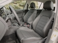 2015-vw-golf-front-seats