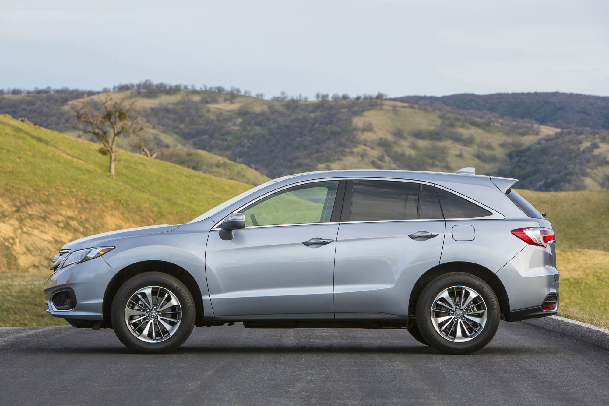 slate white hopkins earn overall star in acura hires highrises with latest safety silver rating exterior rdx package to advance metallic
