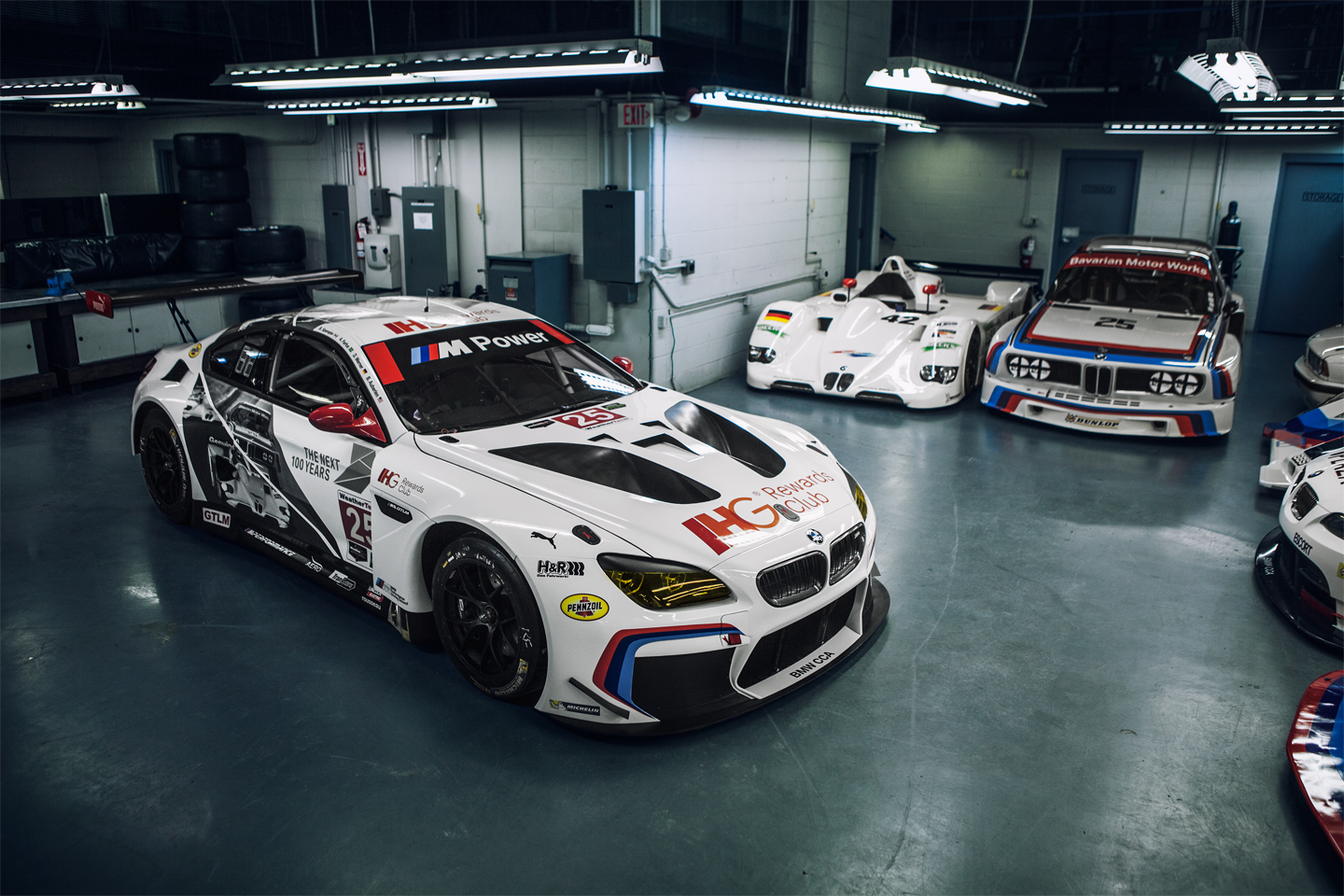 BMW Reveals M GTLM Race Cars With Sexy New Livery AutoGuidecom - Bmw 25