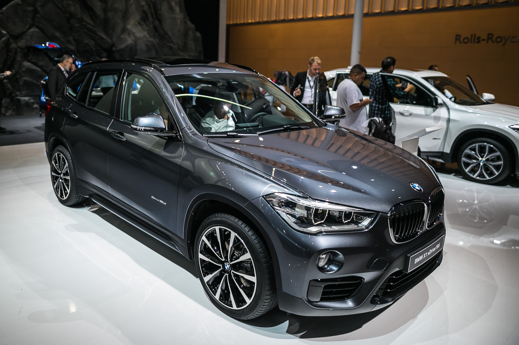 2016 bmw x1 ushers in new generation for compact crossover. Black Bedroom Furniture Sets. Home Design Ideas