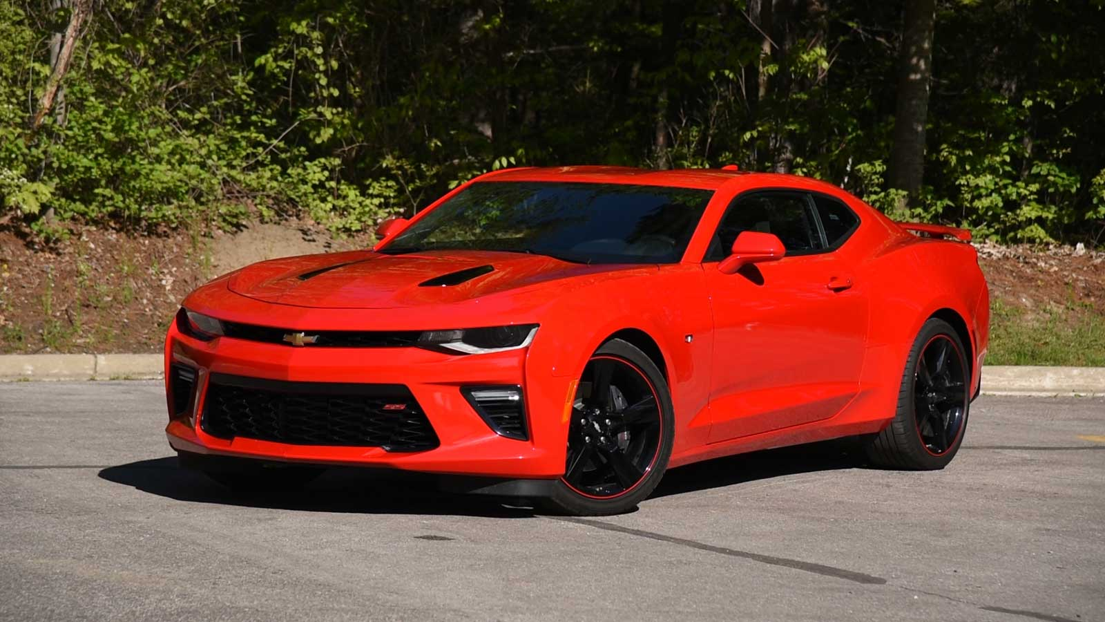 2016 Chevrolet Camaro Ss Review Curbed With Craig Cole Autoguide Com