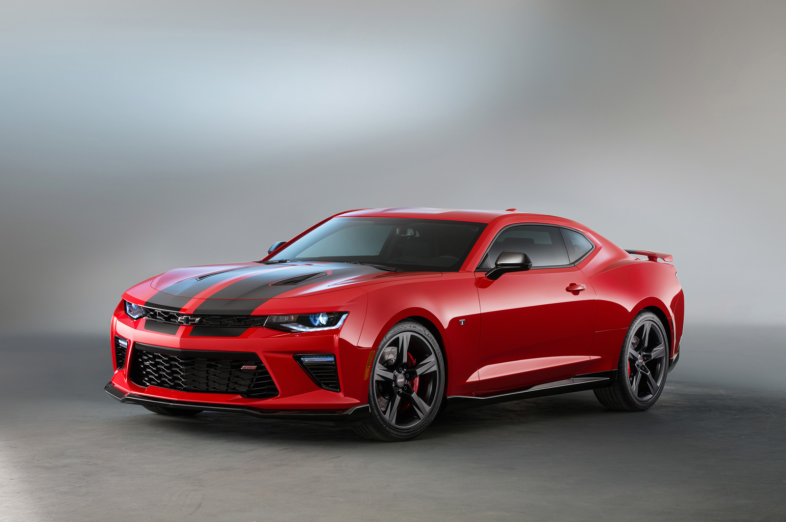 2016 Chevrolet Camaro Ss Gets Black Red Accent Packages
