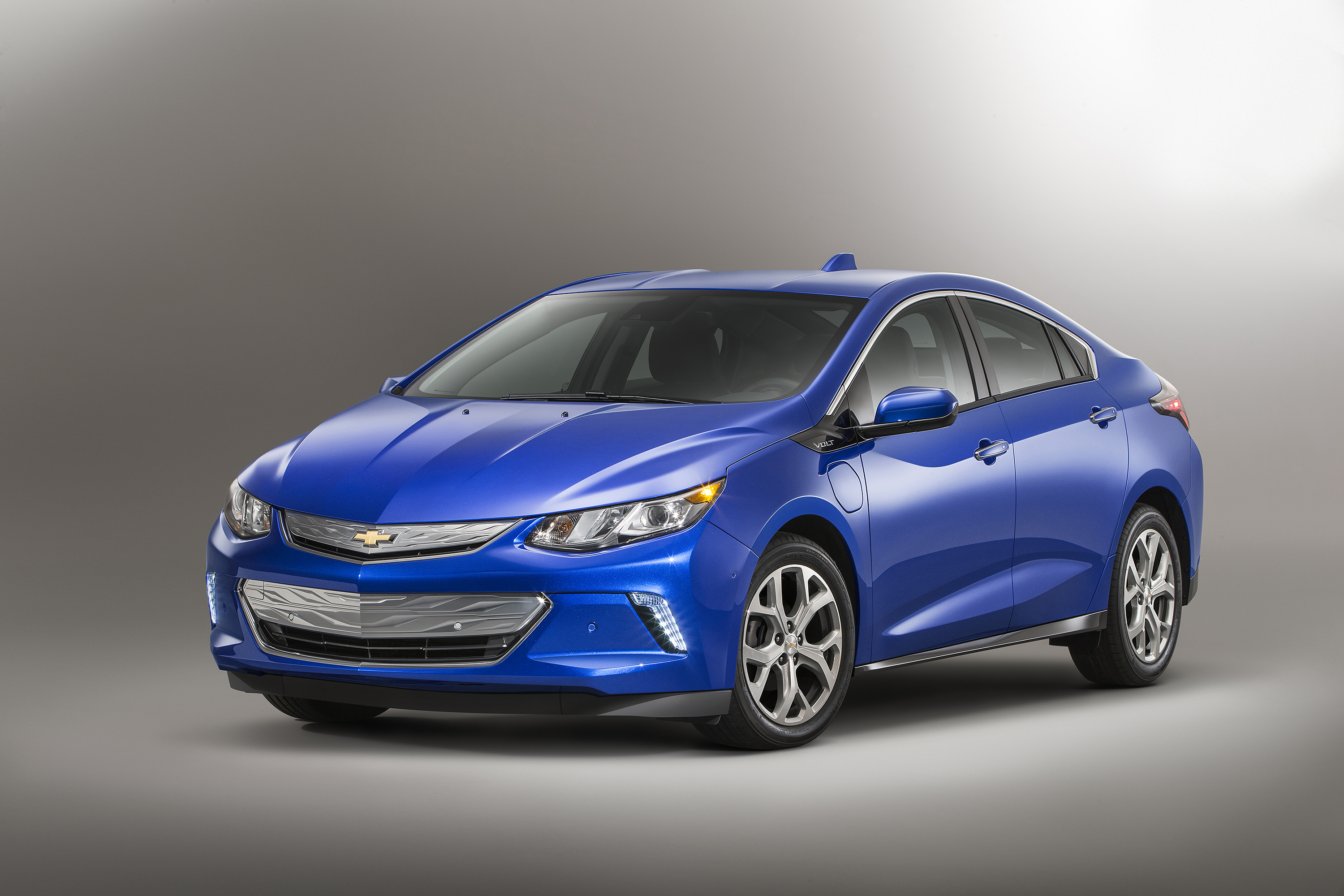Chevrolet Volt Named Green Car Journal's 2016 Green Car of ...