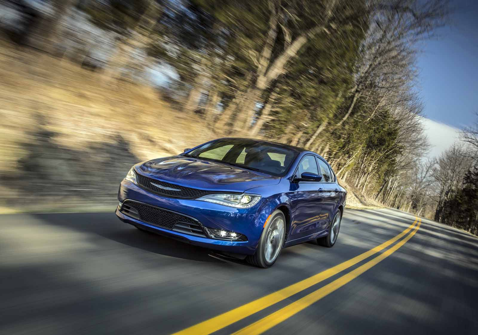Chrysler 200 Mpg >> 2016 Chrysler 200S Review: Why Did It Fail? - AutoGuide.com