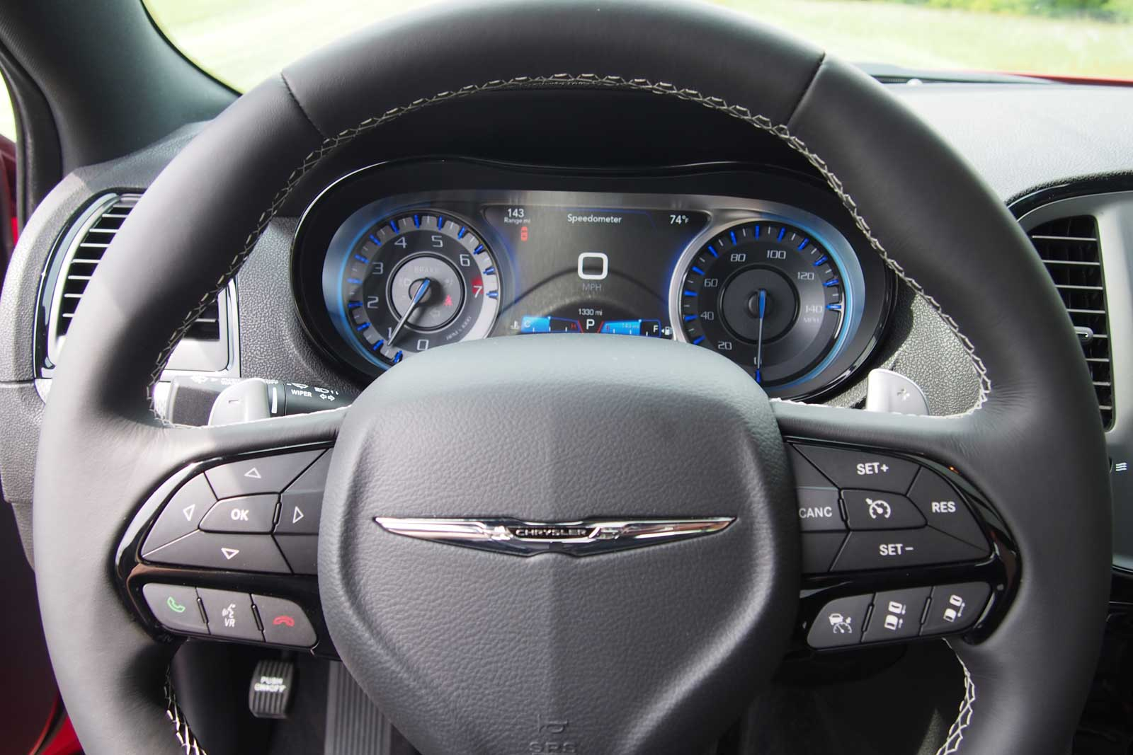 2016 Chrysler 300s Gauges 02
